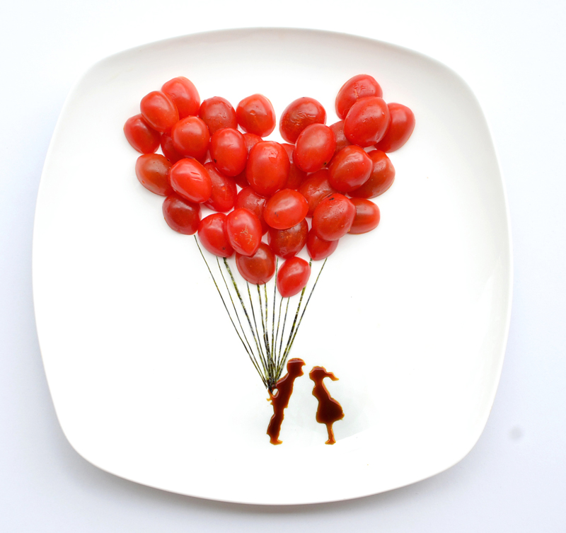 Red Hong Yi balloons and lovers