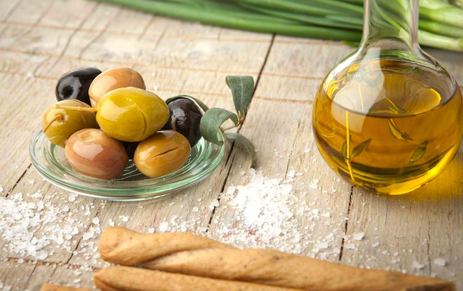 mediterranean diet, UNESCO cultural heritage list, olives, olive oil, mediterranean food, food from Morocco, rituals and knowledge from mediterranean