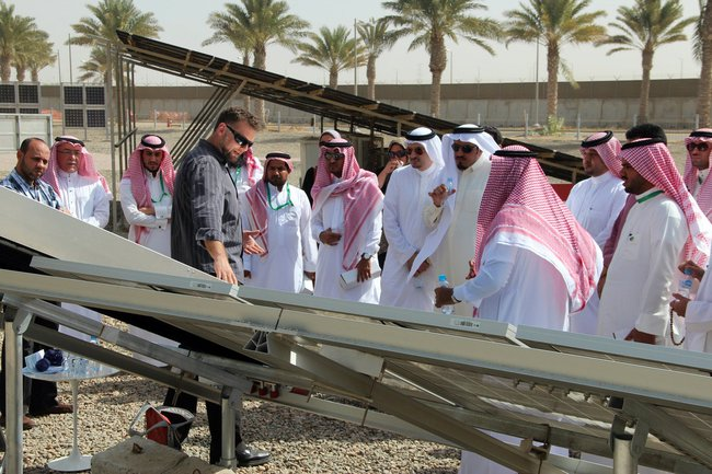 NOMADD robots clean Saudi solar panels without using a drop of water