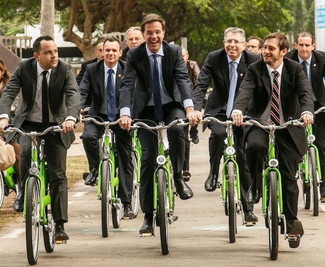 urban planning, bicycle design, going dutch, tel aviv, israeli design, bicycles, free wheel, holon design museum, bicycle conference in Israel, history of bicycles, historic bicycles, Prime Minister Rutte