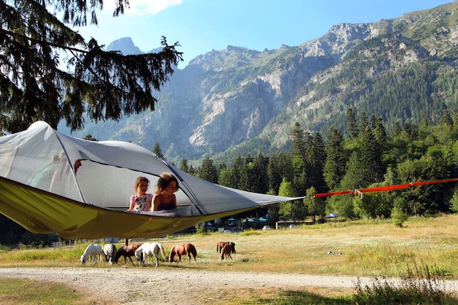Portable-suspended-treehouse-by-Tentsile-2