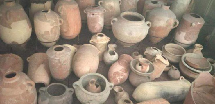 Reconstructed-vessels-from-the-Tel-Shikmona-archaeological-site-south-of-Haifa-1.jpg