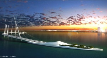 Calatrava's Sharq Crossing adds 3 bridges and an elevated park to Doha's skyline