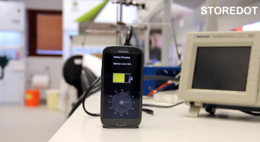 StoreDot's Flash Battery charges cell phones in 30 seconds flat