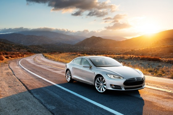 Driverless car partnership emerges between Tesla and Israel's Mobileye