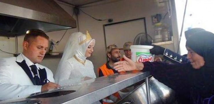 Turkish-bride-feeds-4000-Syrian-refugees.jpg