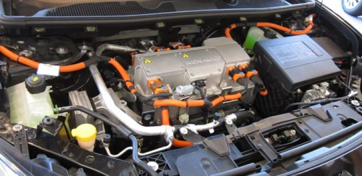 Visit-to-Better-Place-ZE-engine-compartment-12.6.12-0055.jpg