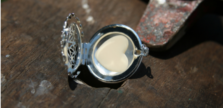 breast-milk-locket.png