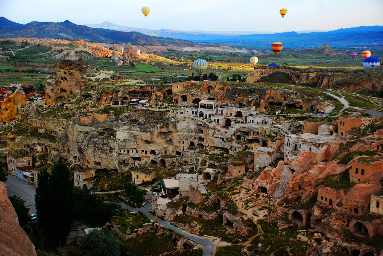 cappadoccia cave houses in Turkey