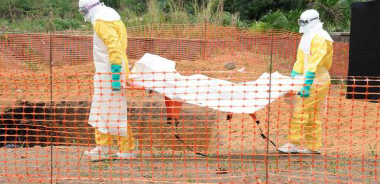 carrying-out-another-ebola-victim1.png