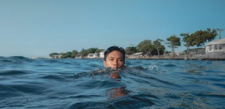 deny-abdurahman-indonesia-swimming-man.jpg