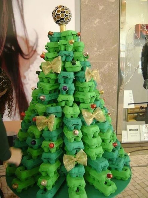 diy-egg-carton-christmas-tree-495x660.jpg