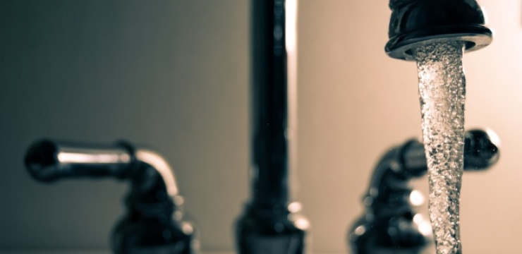 faucet-running-water-steel-861414.jpg