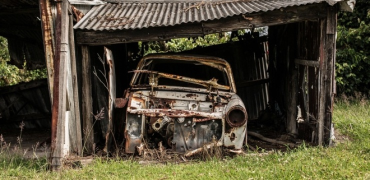 garage-repair-old-car.jpg