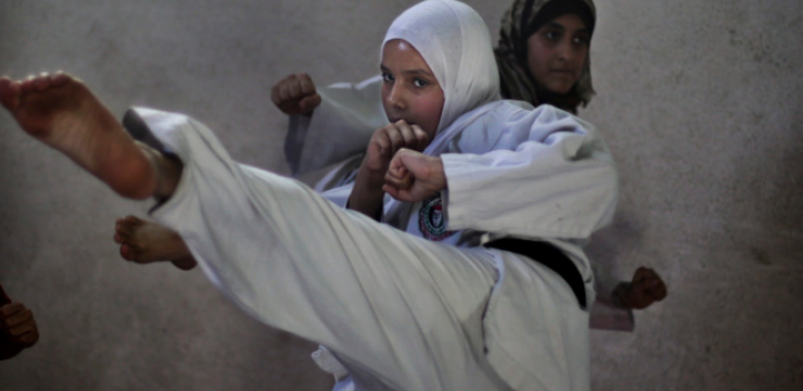 gaza-girls-karate.png