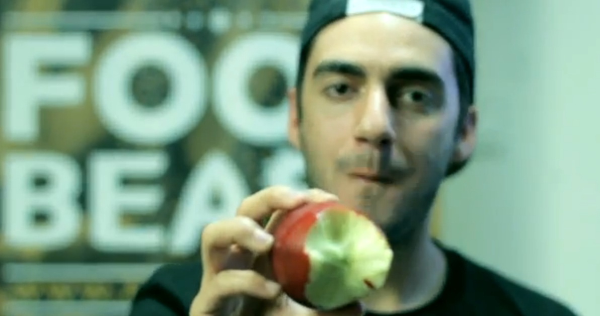 how to eat apple