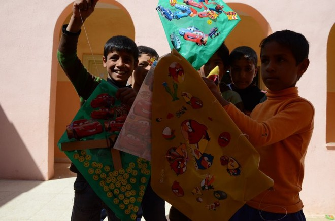 syrian_refugee_kids_recycled_kites