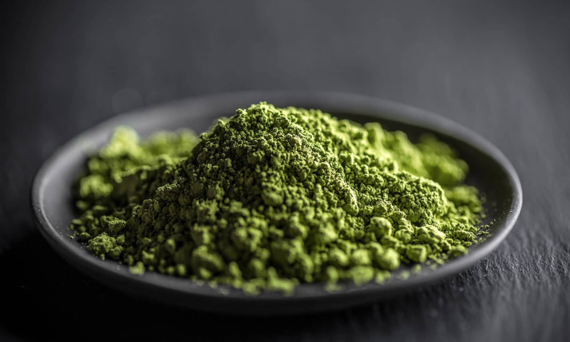 kratom, powder from a leaf, a natural alternative to opiods