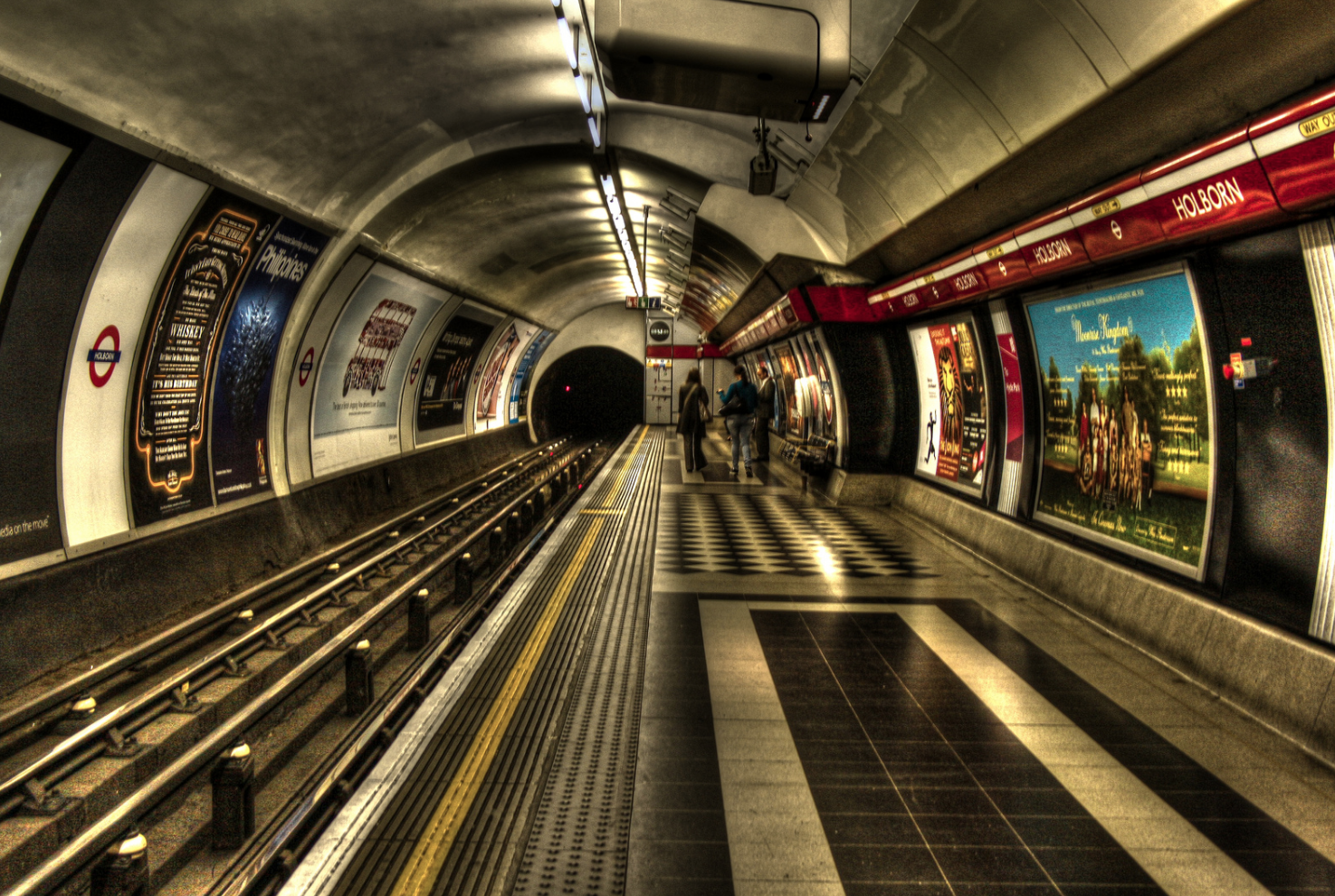 london-underground-travelling