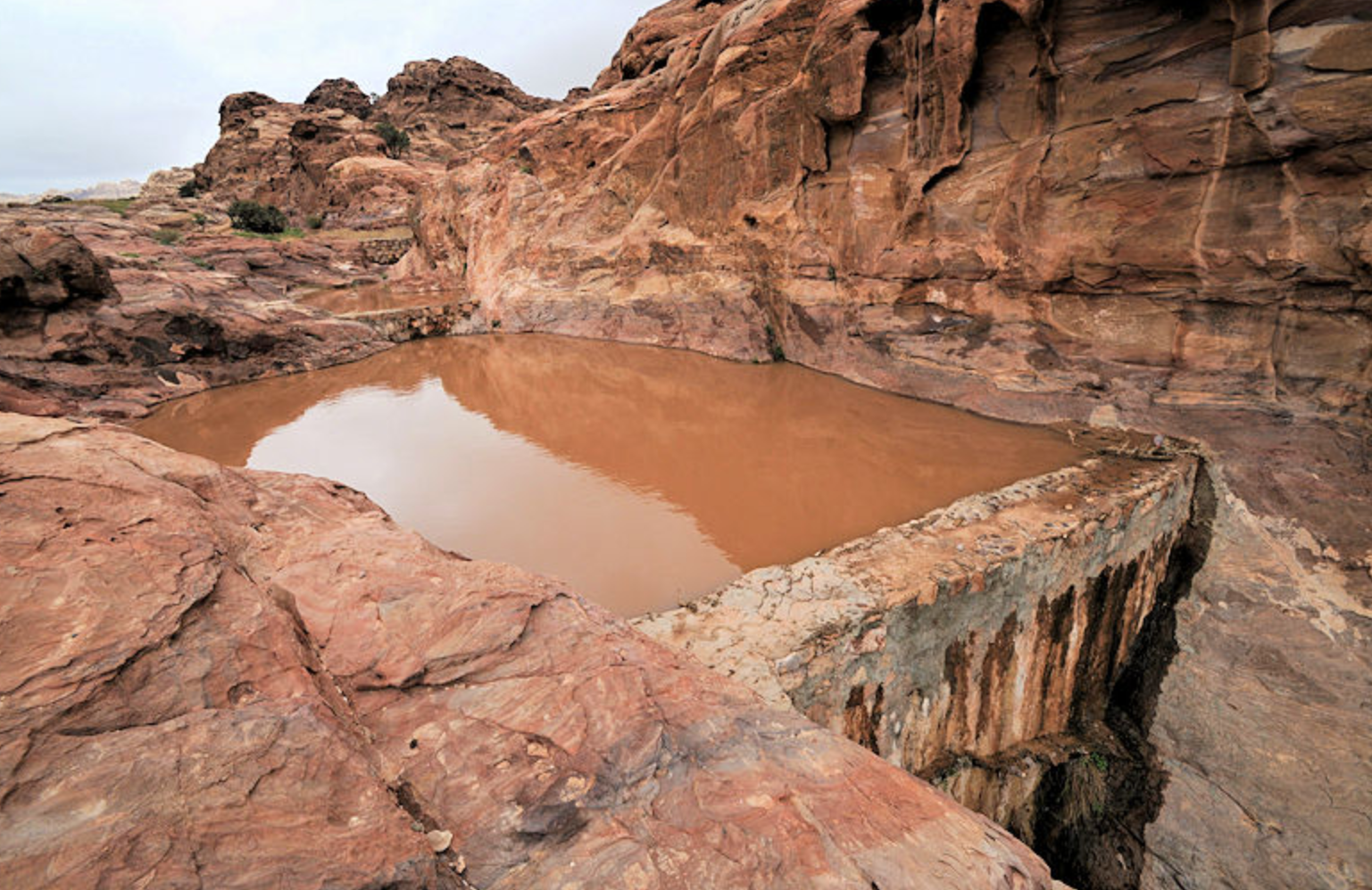 nabateans collect water from flash floods