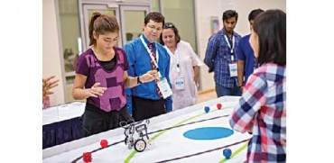 Qatari students take on robots!
