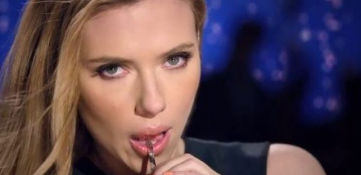 scarlett-johansson-sexily-sips-sodastream-drink-in-its-super-bowl-ad.jpg