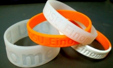 Stylin' gel wristbands sniff out chemicals killing your body