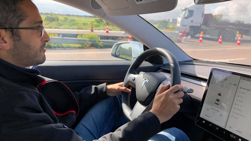 The first Tesla 3 arrives in Morocco