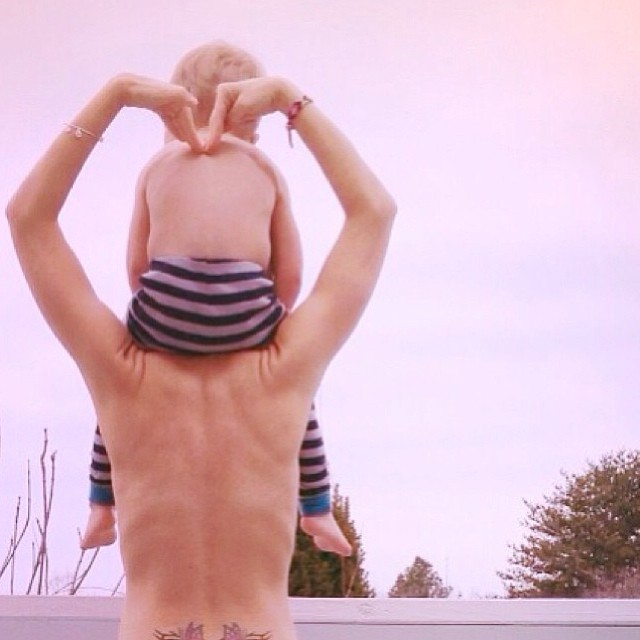 topless toddler