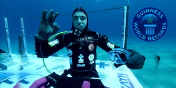 Turkish diver sets world record by staying underwater for 6 days