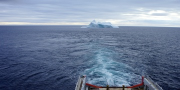 Arab gulf to drag iceberg from Antarctica for drinking water?!?