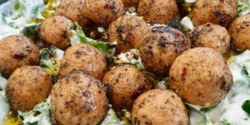 Mouth-Watering Vegetarian Burgul Balls in Garlicky Yogurt Sauce