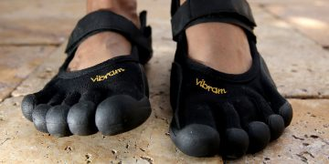 barefoot running shoes can help bunions